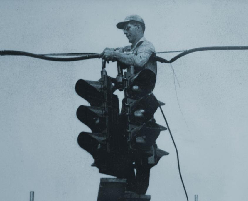 Shelley Electric - Vintage Traffic Light